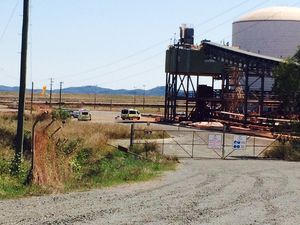 Emergency services are at the scene of an ammonia vapour leak in Gladstone.