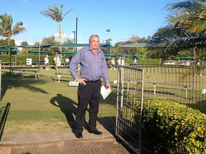 Bowls club to keep its green after vote