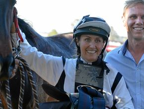 Melody rides to the sound of music in classy win