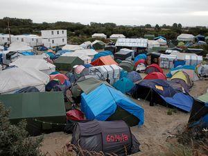 France vows to close refugee 'Jungle'