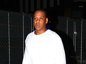 Jay Z signs two-year movie and TV deal