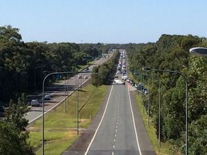 Sunshine Motorway lanes closed after fatal crash