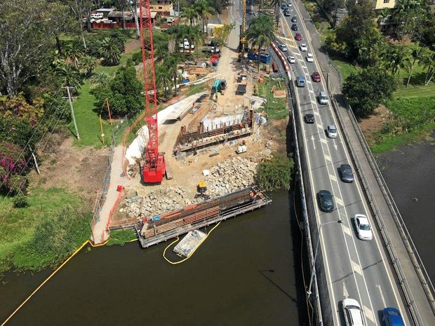 A view of how the Caboolture River Bridge Replacement project is progressing, as of October 2016.