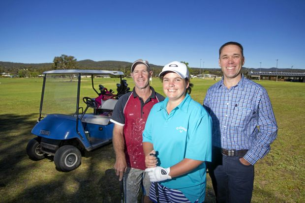 GEARING UP: Matt and Nikki Waterworth and Steve Kay are looking forward to Stanthorpe Golf Club's 2016 Carnival.