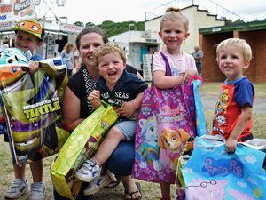 Stocking up on show bags (left to right): Tyler Elford, 4; Samantha Elford; Mason Elford, 2; Paige Jackson, 5; Aiden Jackson, 3.