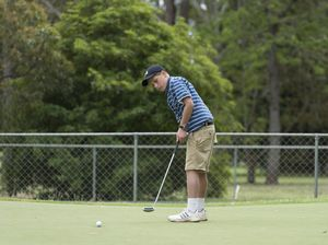 Junior golfers on target