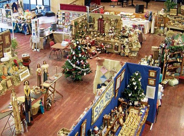 Christmas art and craft show comes to the country gatton for Country christmas craft show