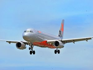 A Jetstar plane lands at Sunshine Coast Airport. Photo: John McCutcheon / Sunshine Coast Daily.