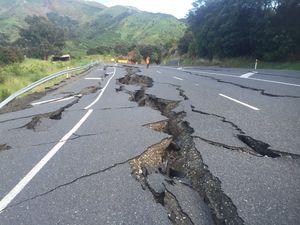 400 aftershocks follow quake