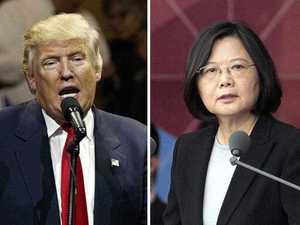 Trump angers China over Taiwan phone call