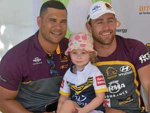 Fans brave heat to meet Broncos players in Dalby