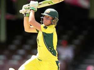 Mooney dreams of a bigger stage for female cricketers