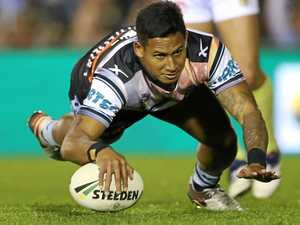 Sharks re-sign Barba to reduced deal