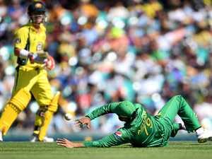 "Pakistan fielding ""unacceptable"", says angry coach Arthur"