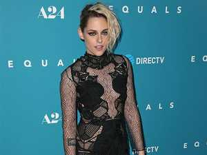 Kristen Stewart to host SNL