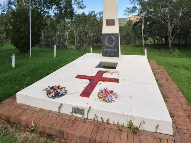 The cenotaph at Mt Morgan. Photo by Peter Lawrence