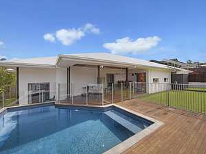 A PERFECT BLEND OF BUDERIM STYLE AND LOCATION - WALK TO MATTHEW FLINDERS