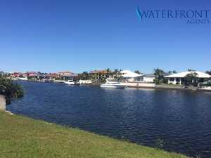 BEST VALUE 979M2 WATERFRONT LAND ON THE COAST