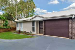 Prepare to be impressed by this modern unit located in the heart of Newtown - close to the city cent...