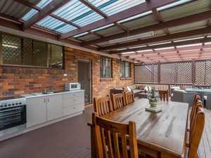 Huge Deck Plus Shed Plus Fantastic Family Home!