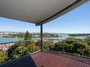 Architectural Masterpiece - Unsurpassed Harbour Views!