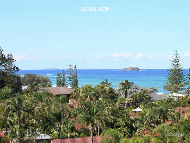 With sensational views across the ocean to Split Solitary and South Solitary Islands, 180 metres to...