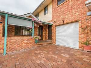 Conveniently Located Townhouse - Wallk to CBD