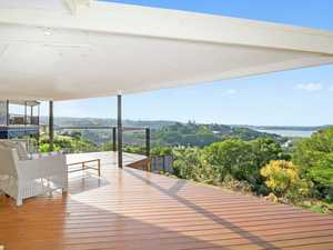 Stunning Broadwater Valley and Ocean Views