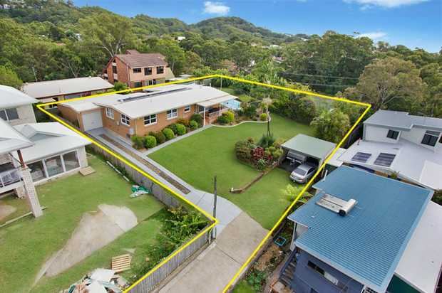 OPEN HOME THIS SATURDAY 28TH MAY 1:00-1:30PM  This is an opportunity of a lifetime for potential d...