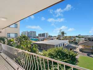 Walk to the beach - East aspect - Great little buy