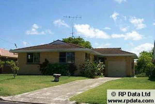 Neat and tidy three bedroom brick home with level yard. Large bathroom with bath tub, separate toil...