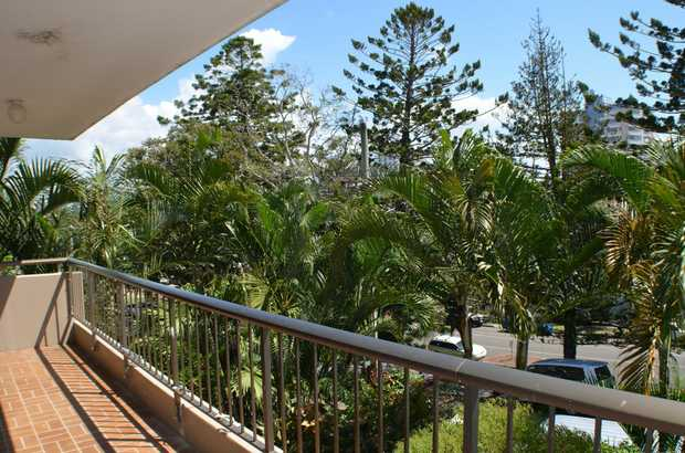 Two bedroom, one bathroom unit in central Rainbow Bay.