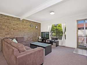 Small Complex - Central Location - Solid Rental Returns