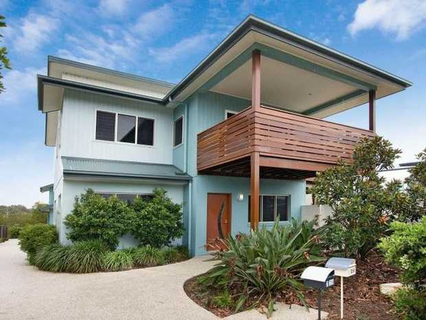 Metres from  the beach with Casuarina Rec Club free access included in stay  Opposite a large park w...