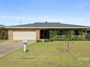 Fabulous family home in close-to-everything location...