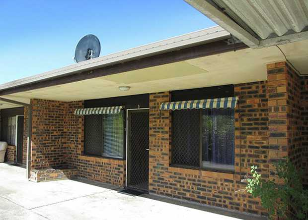 Convenience does not always come at a price as shown by this fantastic brick veneer unit which is an...