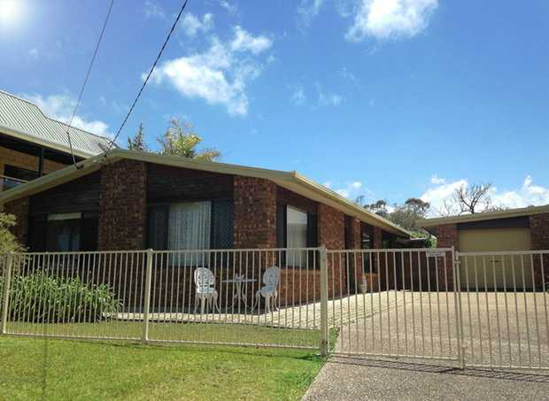 Well positioned three bedroom brick home located 10 mins walk to the Arrawarra beach with ocean view...