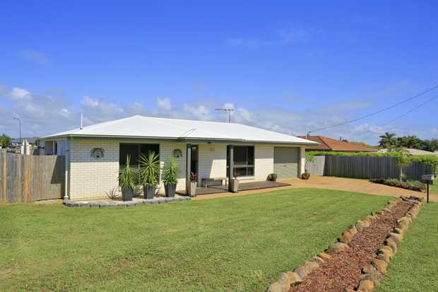 The home presents just like new, with everything in immaculate condition! Open plan living area. Mas...