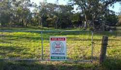 On offer is a fully fenced vacant block of land. The land measures 2023m2, just under ½ an acre in t...