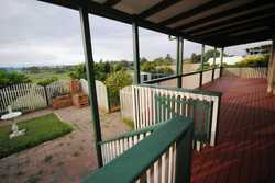 Opportunity is knocking; motivated seller must sell due to finalising an estate.    -Large brick...