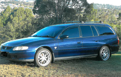'02 Holden Commodore Acclaim wagon,
