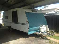 20FT Evernew Caravan, rigged for free camping, solar panels, shower, wc, w/machine, full annexe,...