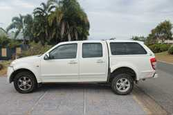 4WD Great Wall V240 dual cab manual ute with canopy. Year 2011. Less than 49,000km on the clock....