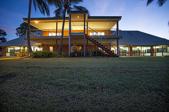 Licensed Restaurant and Function Building For Sale   Located within the Kohuna Beachside Reso...