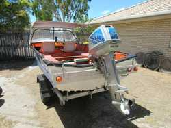 BOAT 4.6M 40hp oil injected Suzuki, elect start, excell crabbing & fishing, on tilt trailer,...