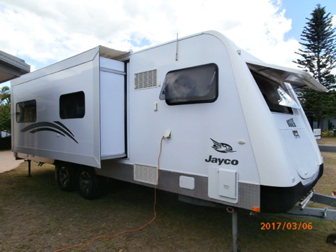 2012 Jayco Sterling Outback, 25' dble s/out, leather uphol, rear ens, w/machine, 2 door fri...