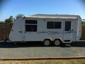 **** SOLD **** 2004 WINDSOR STREAMLINE CARAVAN