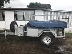 Must Sell  tent in fair condition Bayside  Camper  6 Berth  6months rego