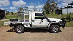 2003 TOYOTA Landcruiser 5 post bullbar, double side rails, extractors, 2.5inch exhauste, gps, uhf...