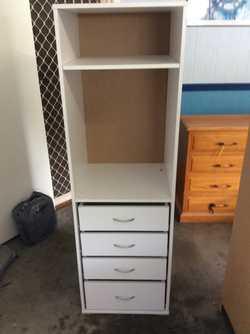 4 drawers